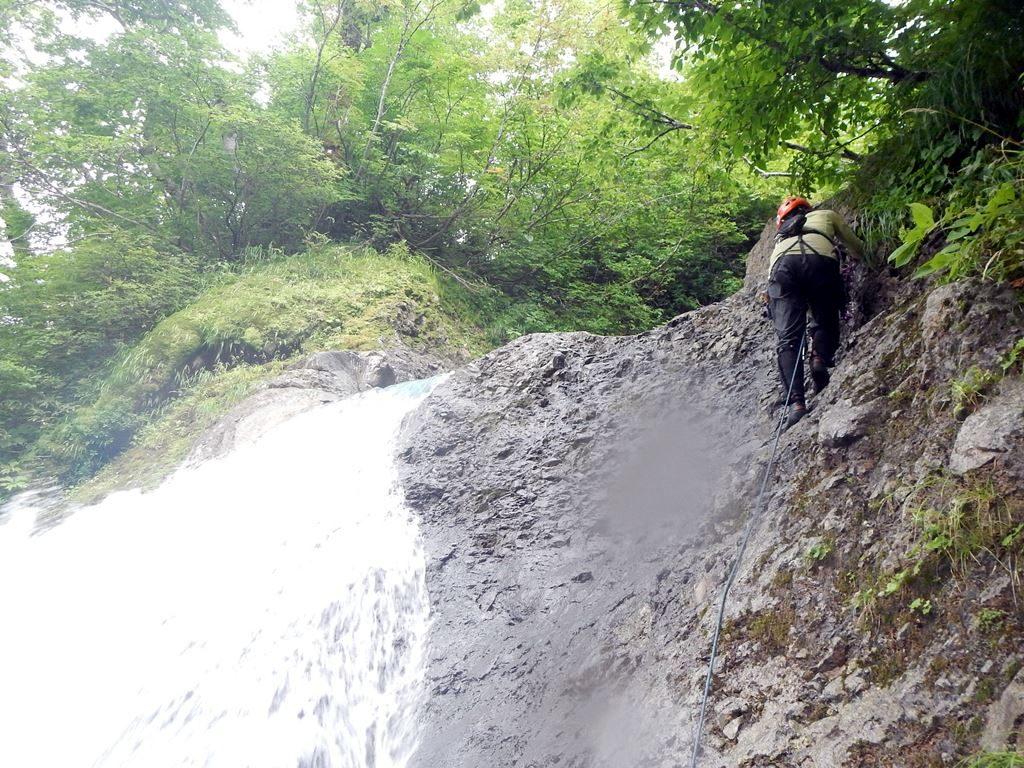 末広がり5m滝はnao氏直登