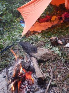 焚き火で始まる朝