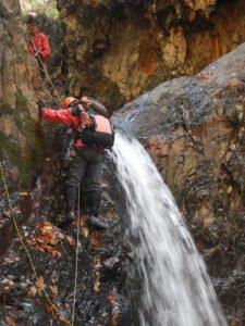4m直瀑左壁を登攀