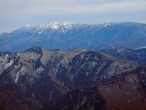 楢俣川左岸尾根の山々と燧ケ岳