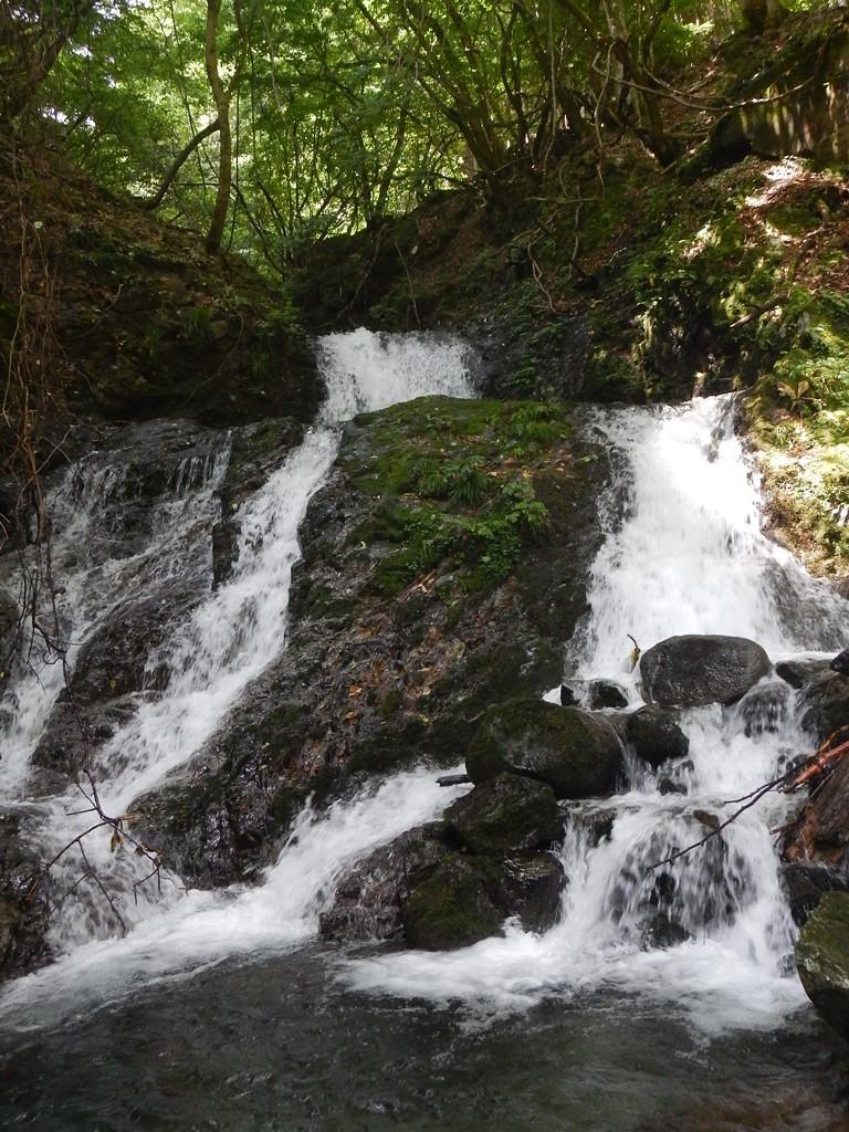 黒川谷連瀑帯入り口の滝