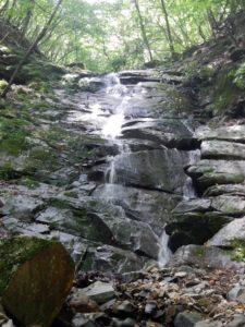 黒川谷支流のスラブ滝
