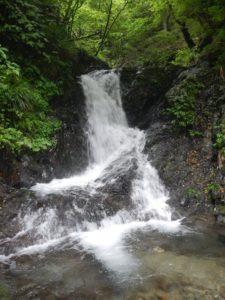 湯場ノ沢最初の滝場
