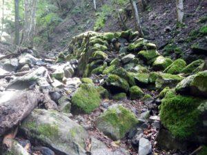 ワサビ田跡の石垣
