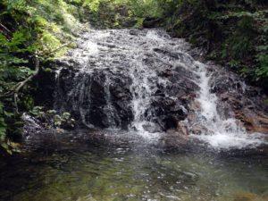 左俣に入って最初の2m滝