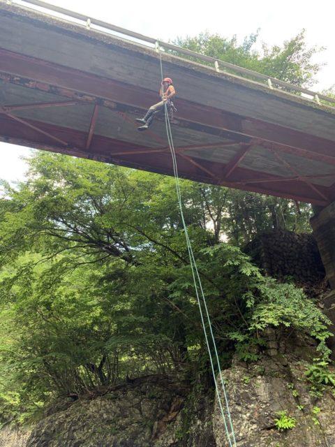 空中懸垂の練習風景2