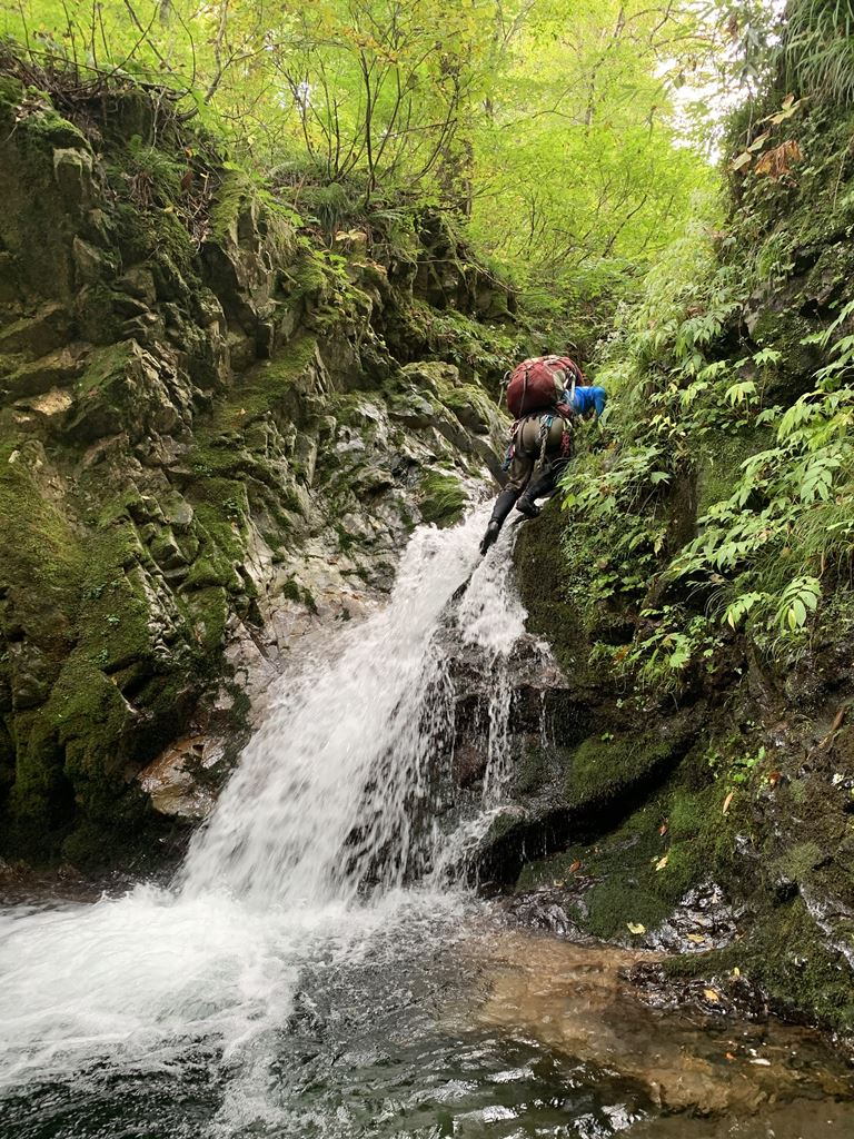 南会津の沢旅・小滝を登る